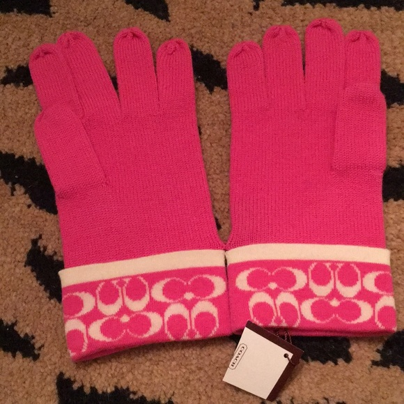 d874c3802 Coach Accessories | Mini Signature Knit Gloves | Poshmark